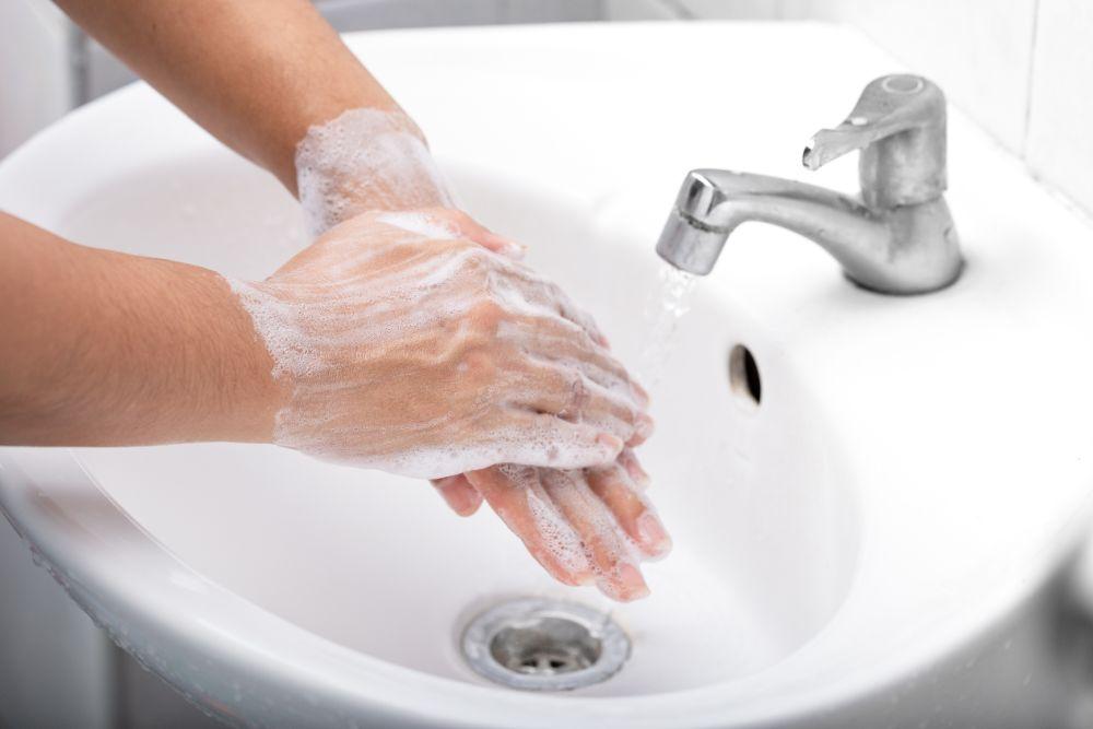 lavar bien las manos