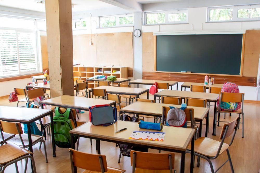 aulas vacías vuelta en septiembre